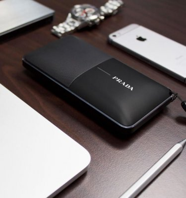 Fusion-PowerBankSpeaker-Black-Lifestyle