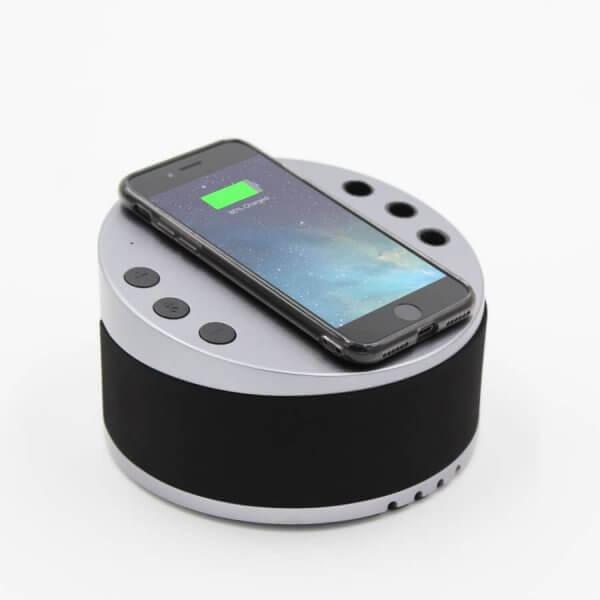 LYNQ Hub - Wireless Charging